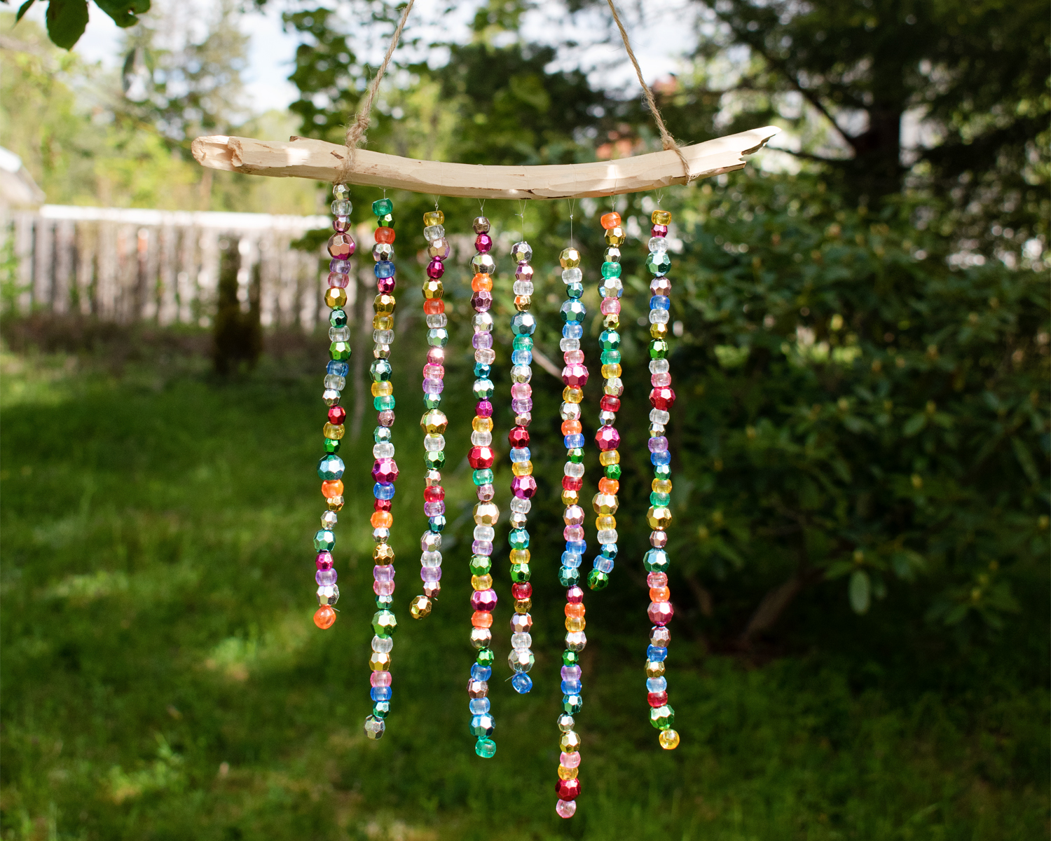 Sparkling wind chimes with pearls